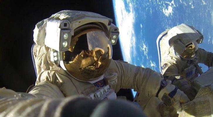 Caminata espacial realizada solo por mujeres marca un hito para la NASA (13:00 h)
