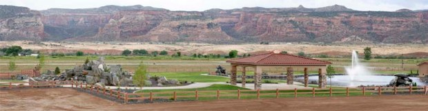 Adobe Falls Subdivision park - gazebo, ponds & waterfalls - Stunning views of the Colorado National Monument