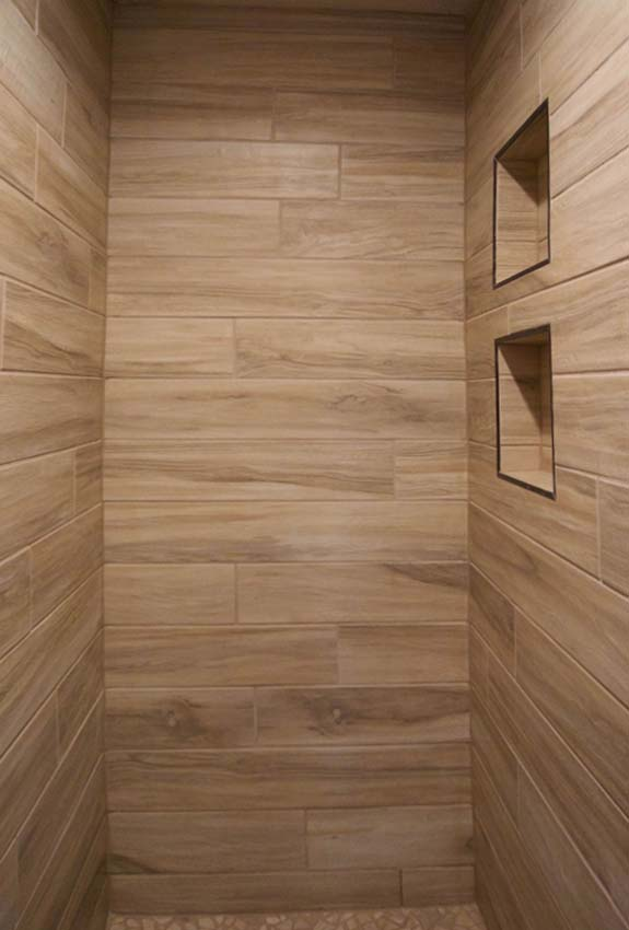 horizontal planks in he master shower