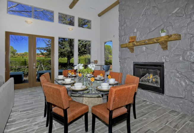 _D2X2729-Dining Area-16-A-