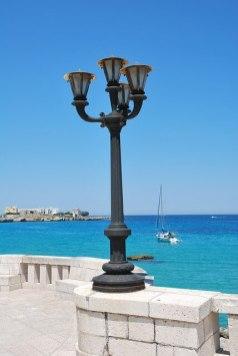 lamppost-2447735_640
