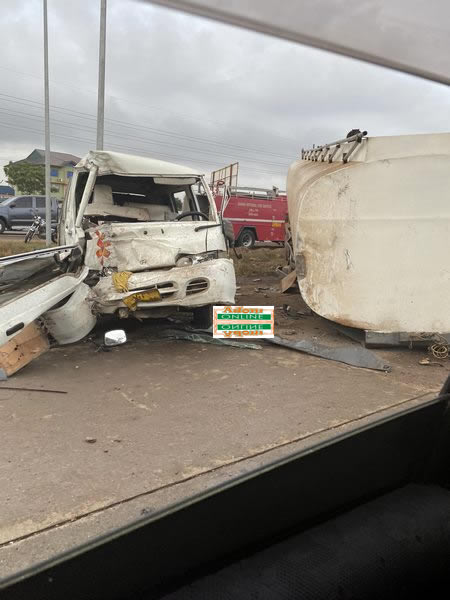 PHOTOS: One feared dead, others in critical condition in accident on Motorway 4