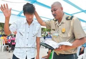 policia-cristiano-evangeliza