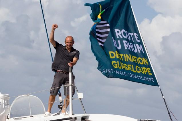 Erwan Le Roux (Fenetrea-Cardinal) vainqueur de la categorie Multi 50 sur la Route du Rhum-Destination Guadeloupe 2014 - Pointe a Pitre le 13/11/2014