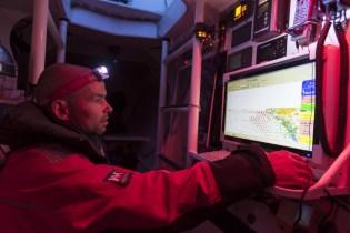 Baie de Quiberon le 15 mai 2014. Erwan le Roux (Fra), skipper du Multi 50 Fentrea-Cardinal, à l'entrainement en vue de la Route du Rhum 2014