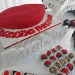 aluguel decoração tema beijo para festa de aniversário