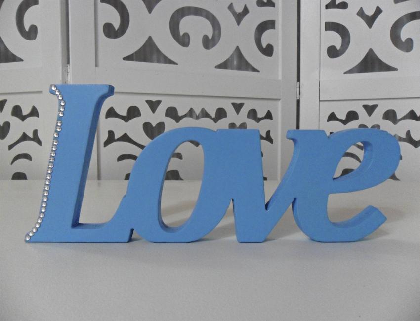 Locação de Letreiro Love Azul de Mesa