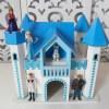 Locação de Castelo da Frozen Com Iluminação e Personagens de Mesa em Provençal