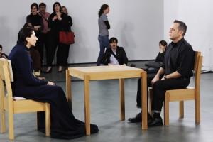Ad Rem Online - Marina Abramovic - ArtistIsPresent- Kunst & Cultuur