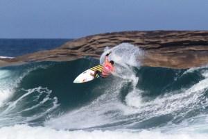Itaúna, um dos melhores picos de surf do Brasil