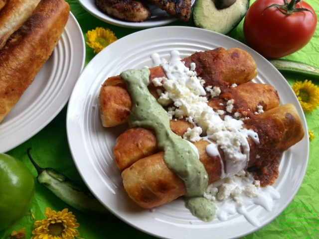Chicken Flautas Tricolor inspired in the colors of the Mexican Flag #GoAutentico #ad