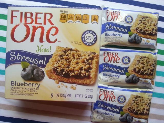 Fiber One Streusel Blueberry #BringBackDessert #ad