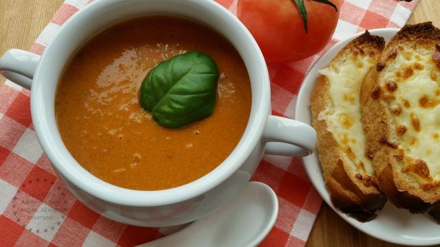 Velvety Heirloom Tomato Bisque Recipe  #LentenRecipes