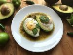Avocado Egg Breakfast with Salsa Verde inspired in the traditional Huevos Rancheros Recipe #SaboreaUnoHoy #ad