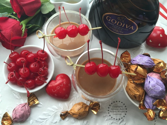 Serve this Mexican Kiss Cocktail to cheer for love and happiness