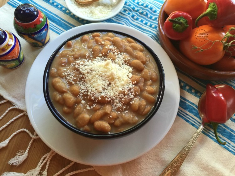 Mayocoba beans in the market are called peruano, maicoba or Mexican yellow bean