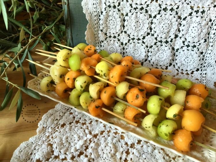 Brochetas de melon fresco y menta