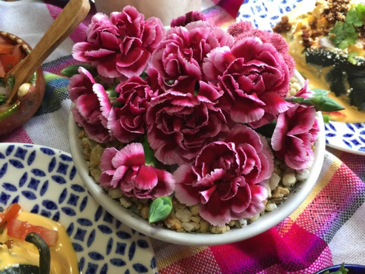Adding carnations as the centerpiece of my table