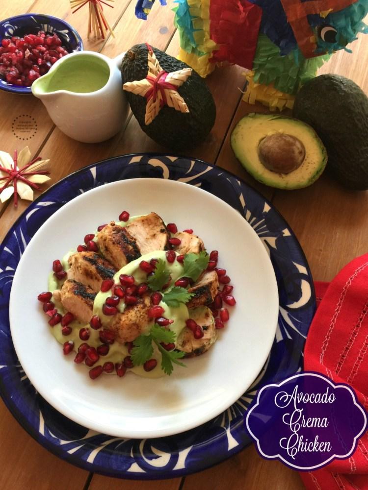 Pollo en Crema de Aguacate con Granada para nuestra Posada