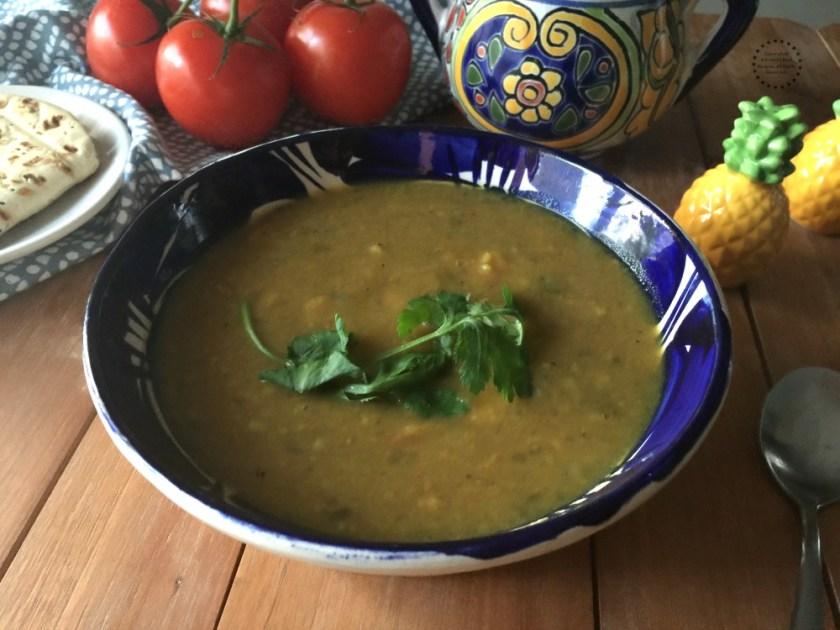 La sopa de habas con cúrcuma es excelente para el invierno