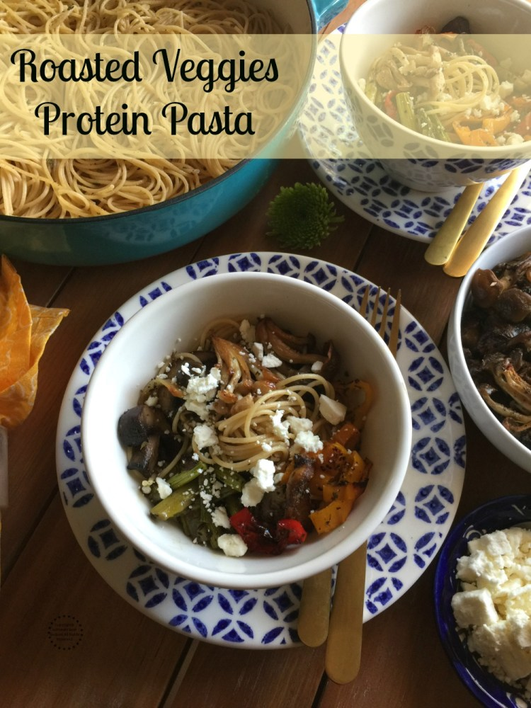 Esta receta para la pasta con verduras asadas y proteína incluye una gran variedad de champiñones frescos como bunapi, shimeji, shiitake y portabella. Además de espárragos, pimientos dulces y ajo. Así como la pasta Barilla ProteinPLUS.