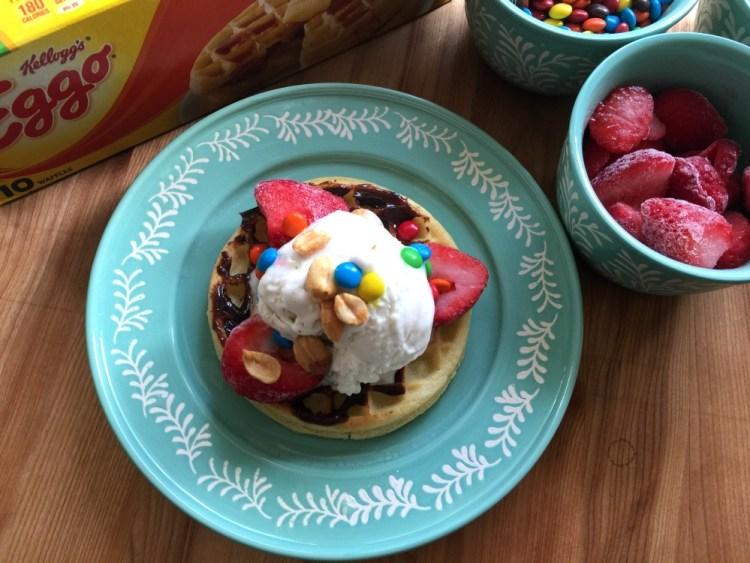 Waffles de Chocolate con Fresas