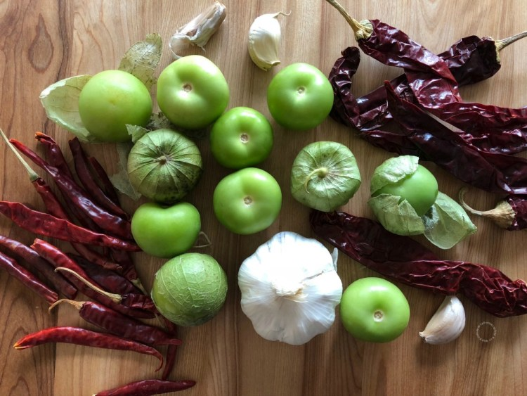 Ingredients for making the Mexican red toasted salsa