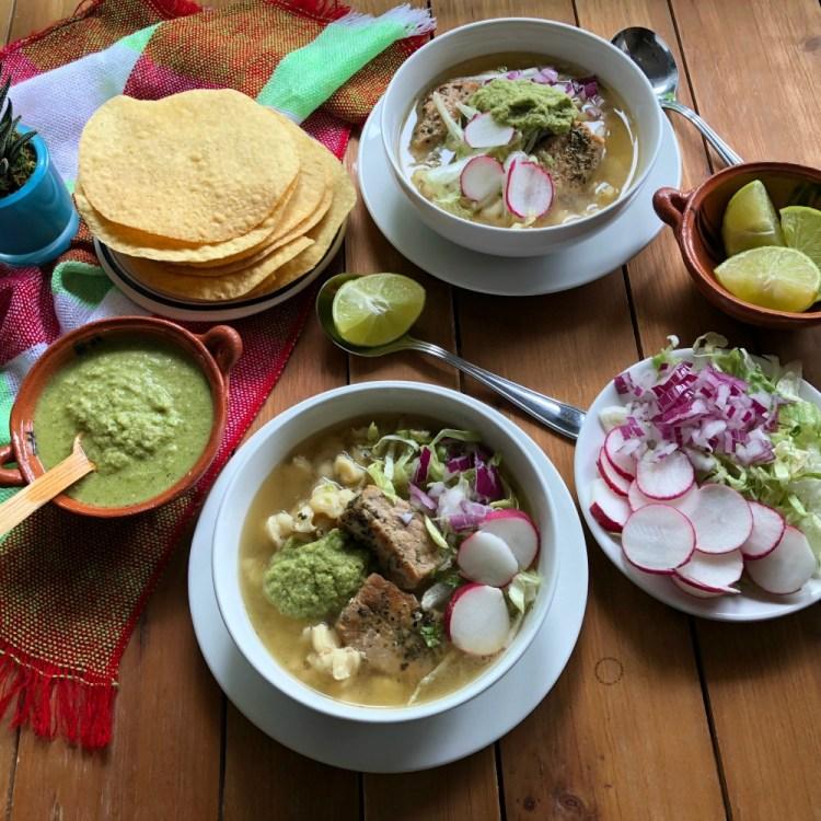 Una auténtica fiesta mexicana incluye en el menú un rico Pozole Verde de Cerdo