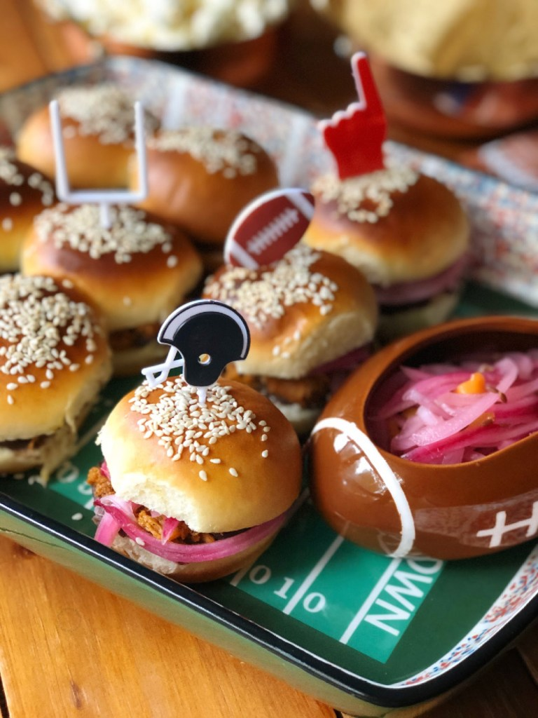 A football field inspired tray with round sliders