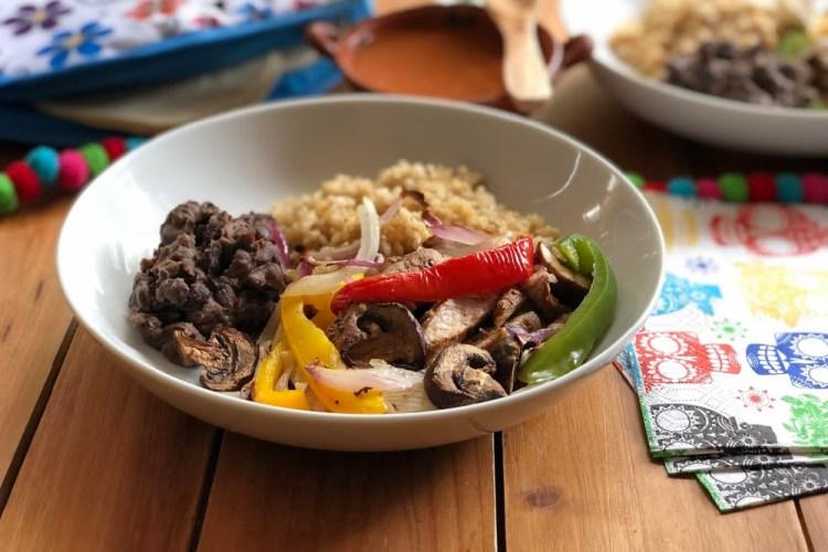 Esta es la receta para las fajitas de solomillo de cerdo a la parrilla. Esta es una receta fácil para el menú del Cinco de Mayo.