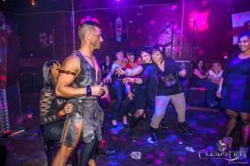 gladiateur adriano stripteaseur