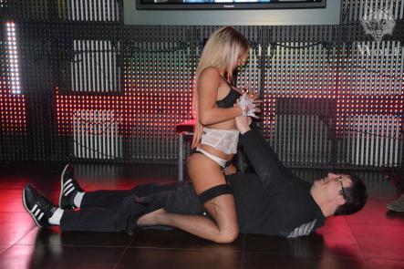 anissa stripteaseuse 67 bas rhin