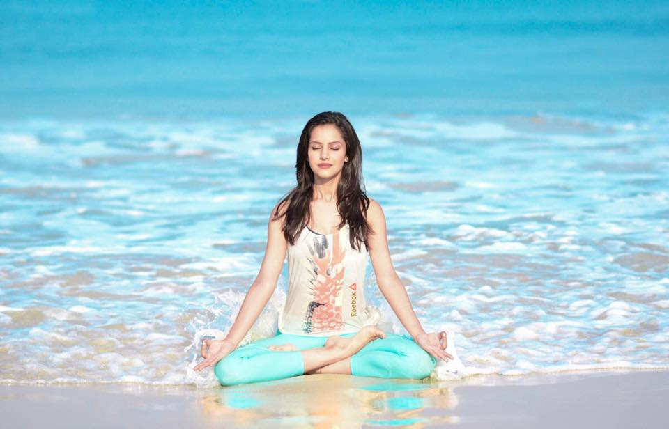 koyal rana doing yoga