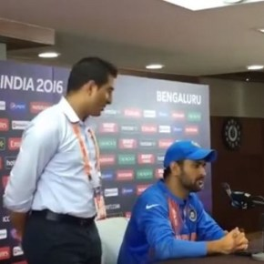 I know You Aren't Happy That India Won Today : Dhoni's Response on Journalist Question