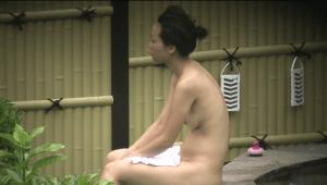 Free voyeur videos : Open-air bath, high school girls toilet, shorts voyeur