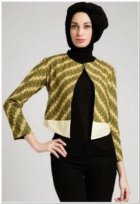 Gambar Atasan Batik Untuk Wanita Muslim