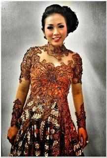 Model baju kebaya modern soimah