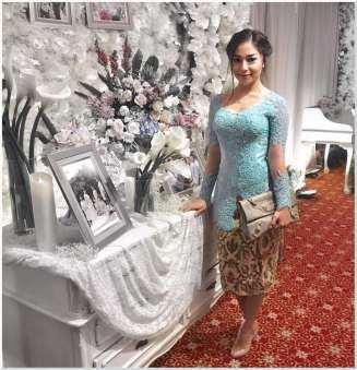 Baju Kebaya modern model sabrina