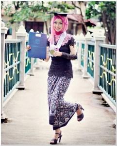 Kebaya wisuda modern hijab