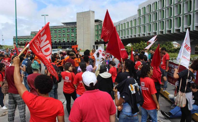 PROTESTO NA SEC: GOVERNO RECEBE UNIVERSIDADES ESTADUAIS COM TRUCULÊNCIA E DESRESPEITO
