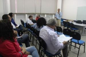 Em reunião sobre aposentadoria da ADUSC o docente Salvador Trevisan fala sobre encontro sobre aposentadoria promovido pelo ANDES-SN.