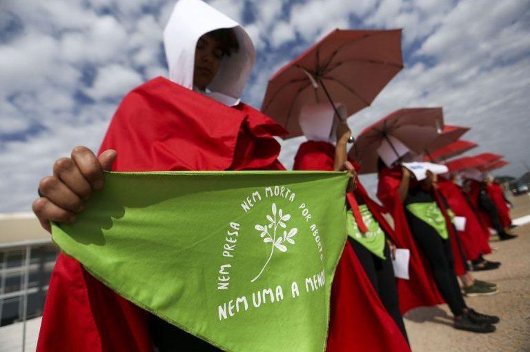 Tem início, em Brasília, audiência pública no STF sobre descriminalização do aborto. Legalização já!