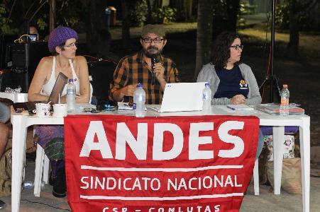 ANDES-SN defende financiamento público para universidade na reunião da SBPC