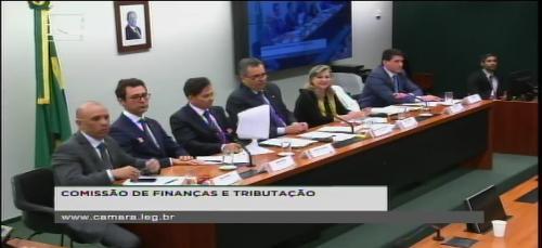 ANDES-SN e Auditoria Cidadã denunciam esquema de desvio de arrecadação tributária
