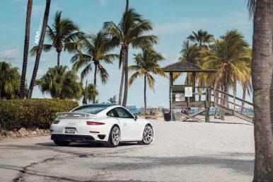 white-porsche-911-turbo-s-centerlock-991-forged-mesh-wheels-adv1-performance-rims-i