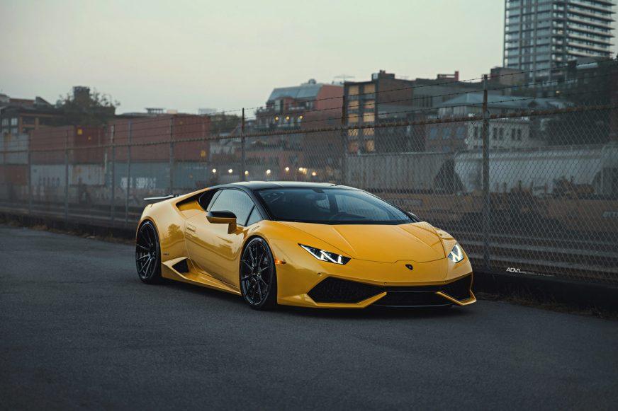 Giallo Evros Lamborghini Huracan - ADV10 M.V2 CS Series Wheels
