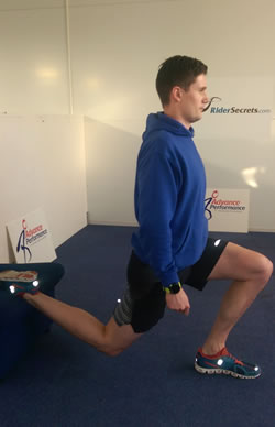 strengthening-rear-foot-elevated-split-squat-2