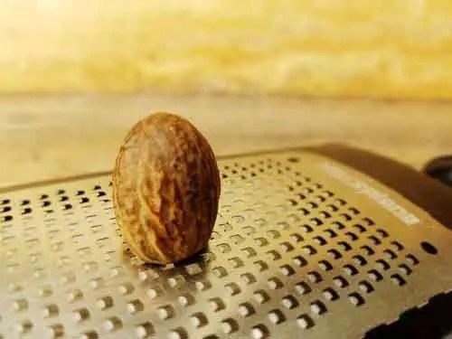 Nutmeg for Alfredo Sauce