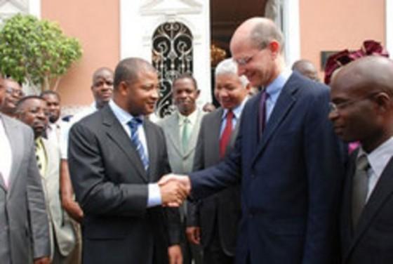 Ted-Wilson-endossa-acoordo-da-IASD-com-governo-de-Luanda