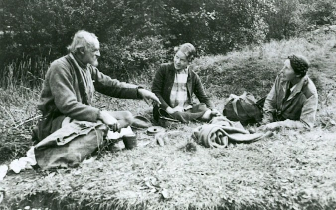 Millican Dalton, Jean Brown and Mabel Barker having a brew-up in 1935. Photo Mabel Barker Collection
